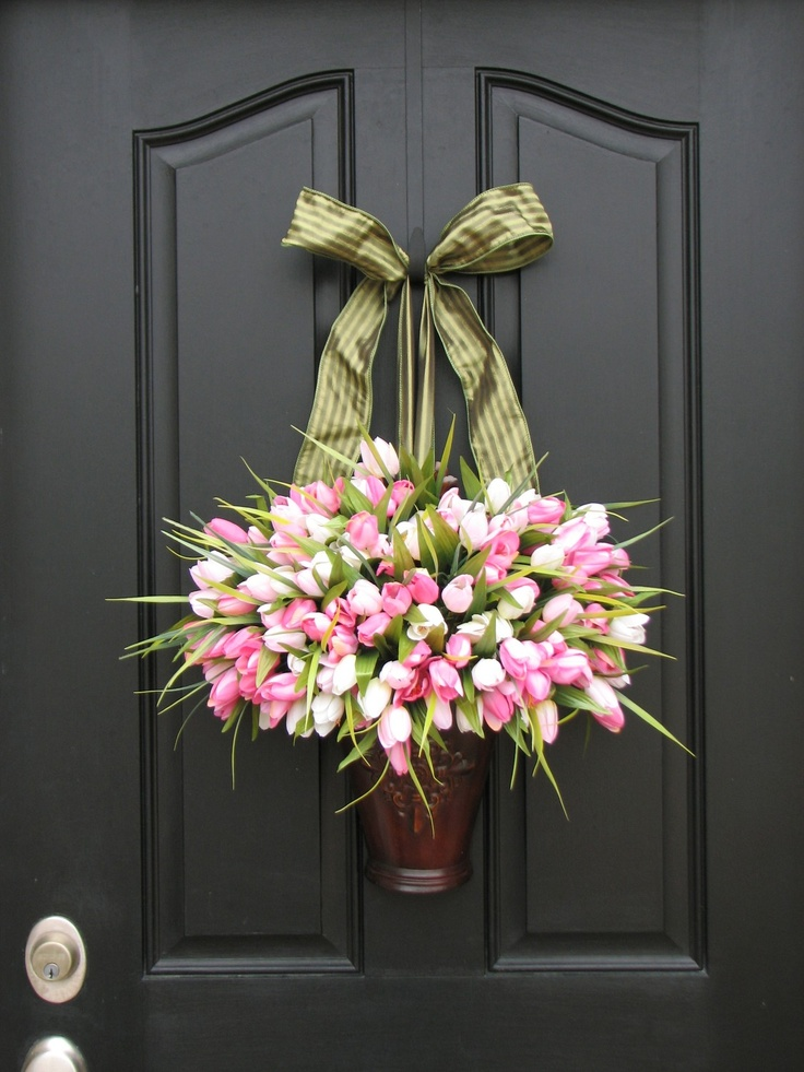easter door decor tulips